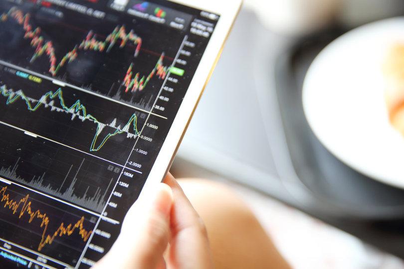 تحديد المخاطر والأرباح وفهم تأثير الرافعة المالية