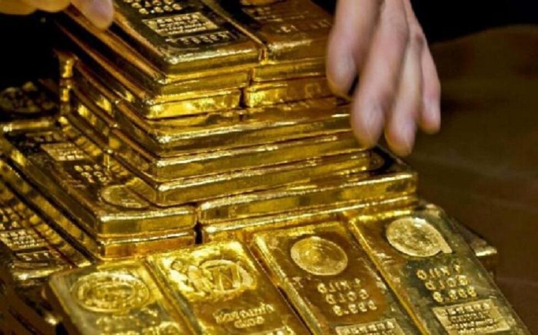 الذهب يقفز فوق 1800 دولار مع تراجع عوائد السندات والدولار