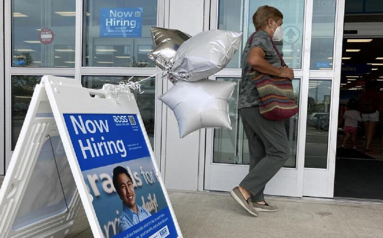 الاقتصاد الأميركي يضيف وظائف دون التوقعات والبطالة تهبط إلى 5.2% في أغسطس