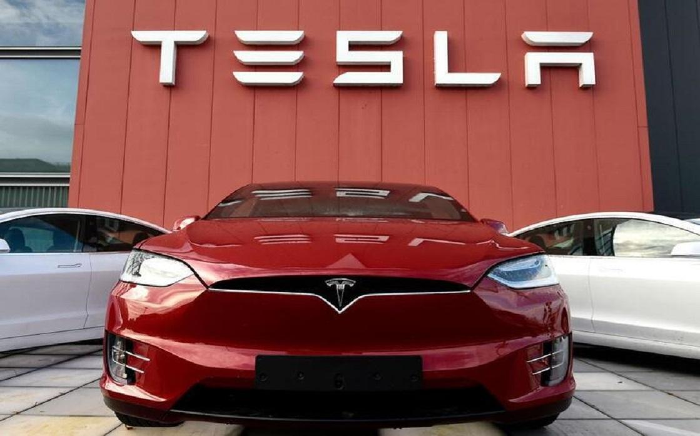 شركة Tesla تحقق صافي دخل قياسي قدره 438 مليون دولار في الربع الأول