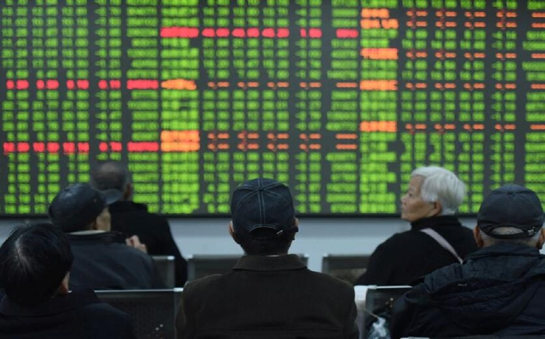 Japan stocks rise, with chip companies boosting gains