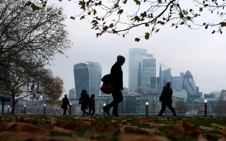 تحسن بالشركات البريطانية بعد الانتخابات وفرص خفض الفائدة تتراجع