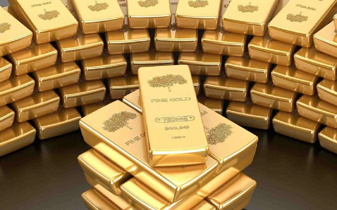 Gold rises as stimulus bets strengthen after weak US data