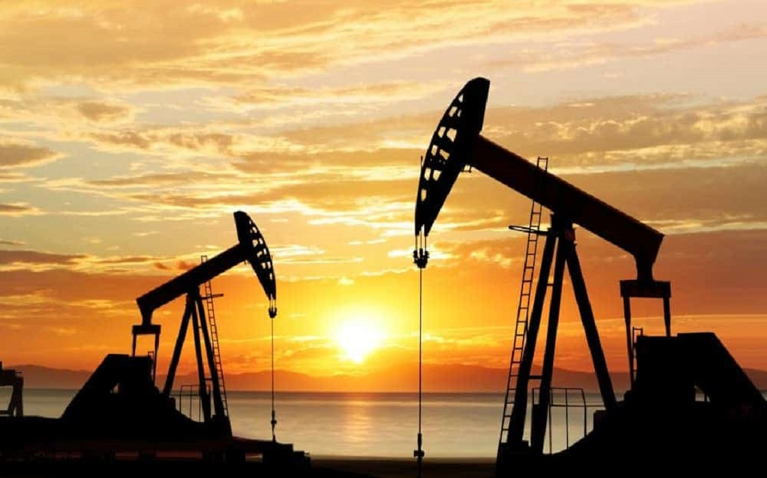Oil down 2%, as glut forecast exceeds Libya's disruptions