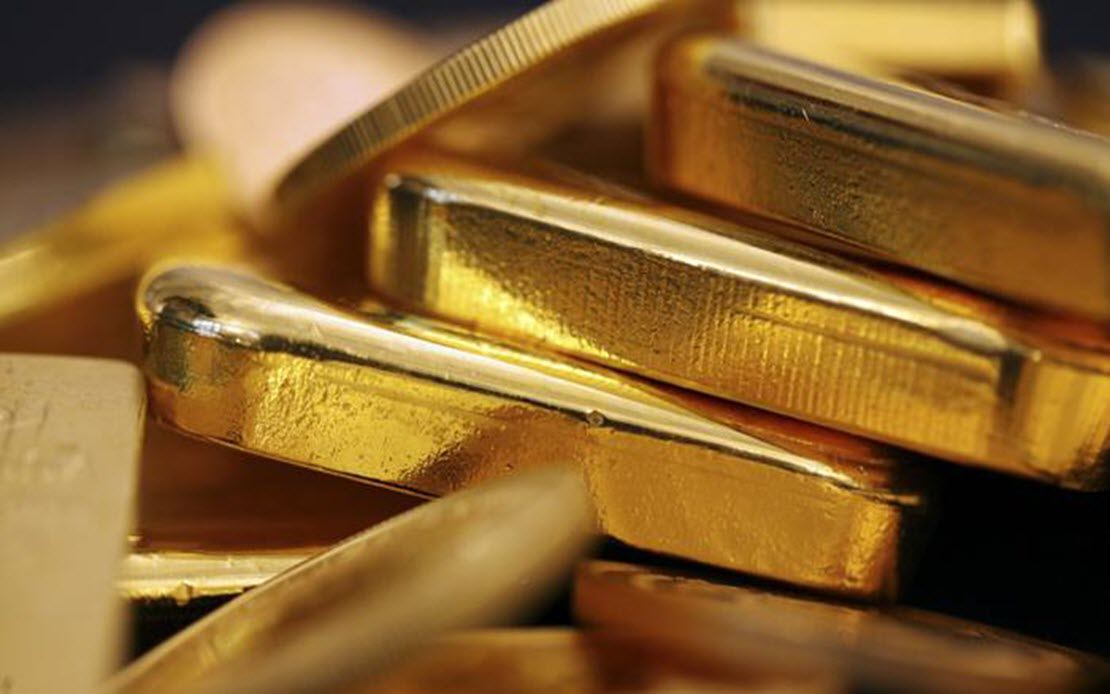 الذهب يحلق عكس التوقعات مع ارتفاع الدولار الأمريكي