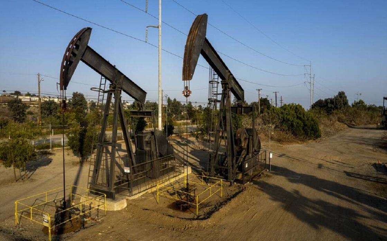 إنتاج النفط الأميركي سينخفض في 2021 أكثر من المتوقع في السابق
