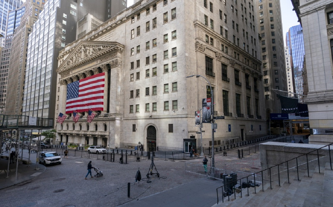 The three major US stock indices are to hit record highs at the opening on Wall Street