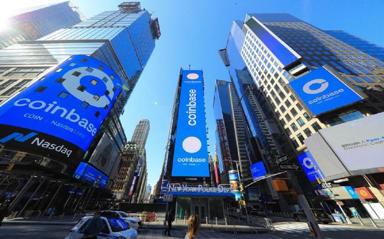 منصة تداول العملات المشفرة Coinbase تصعد بأكثر من 50% في أول أيام تداولها ببورصة ناسداك