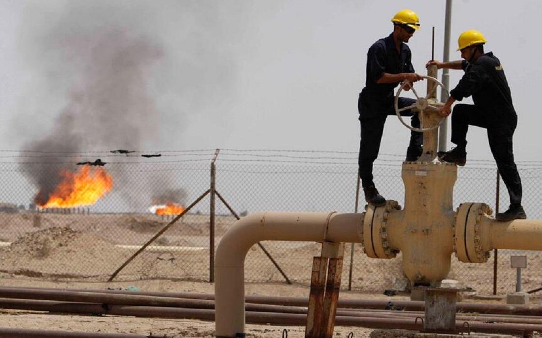 أسعار النفط تهبط بفعل ارتفاع وتيرة إصابات كوفيد-19 بآسيا ومخاوف التضخم