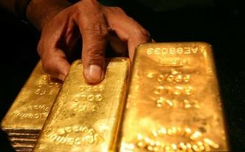 الذهب-يرتفع-مع-تراجع-الدولار-والسوق-تترقب-نتيجة-اجتماع-مجلس-الاحتياطي-2021-07-27