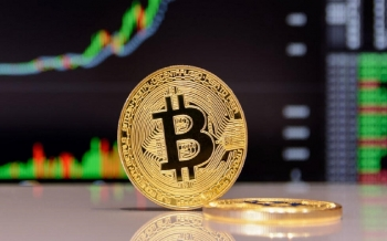 bitcoin-drops-more-than-10-as-el-salvador-adopts-it-as-legal-tender-2021-09-07