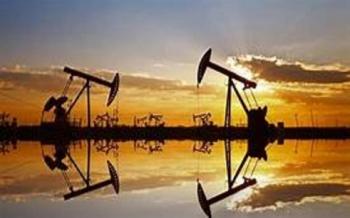 النفط-يهبط-دون-45-دولارا-بفعل-ضبابية-الطلب-وزيادة-المعروض-2020-08-14