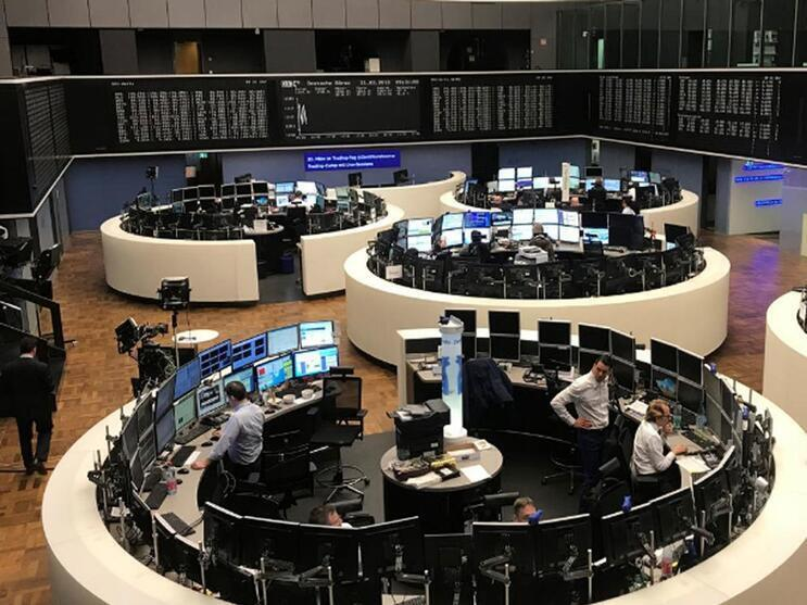 European stocks celebrate seventh straight month of gains
